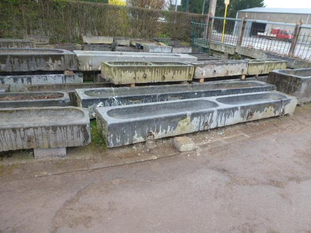 Pougin antiquaire bacs en pierre pougin vente et achat de mat riaux anciens - Fontaine en pierre bleue ...